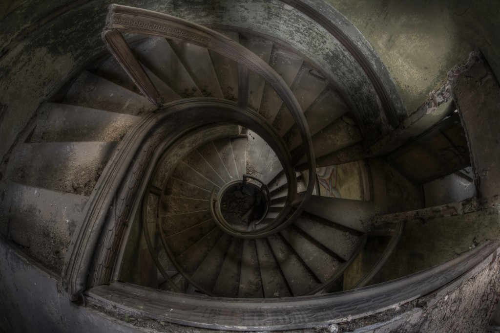 Andre-govia-abandoned-planet-11-1024x681