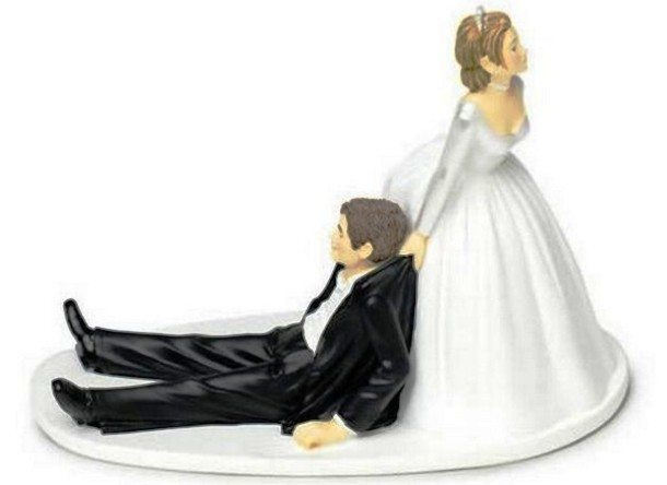fb-troublemakers.com-funny_wedding_cake_toppers8-610x444