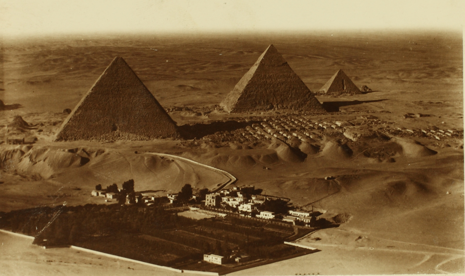 Pyramids_of_Cheops