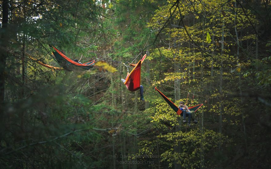 we-took-chilling-in-a-hammock-into-a-whole-new-level-literally-6__880