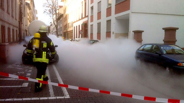 co2-spill-clouds-streets-mainz-germany-3