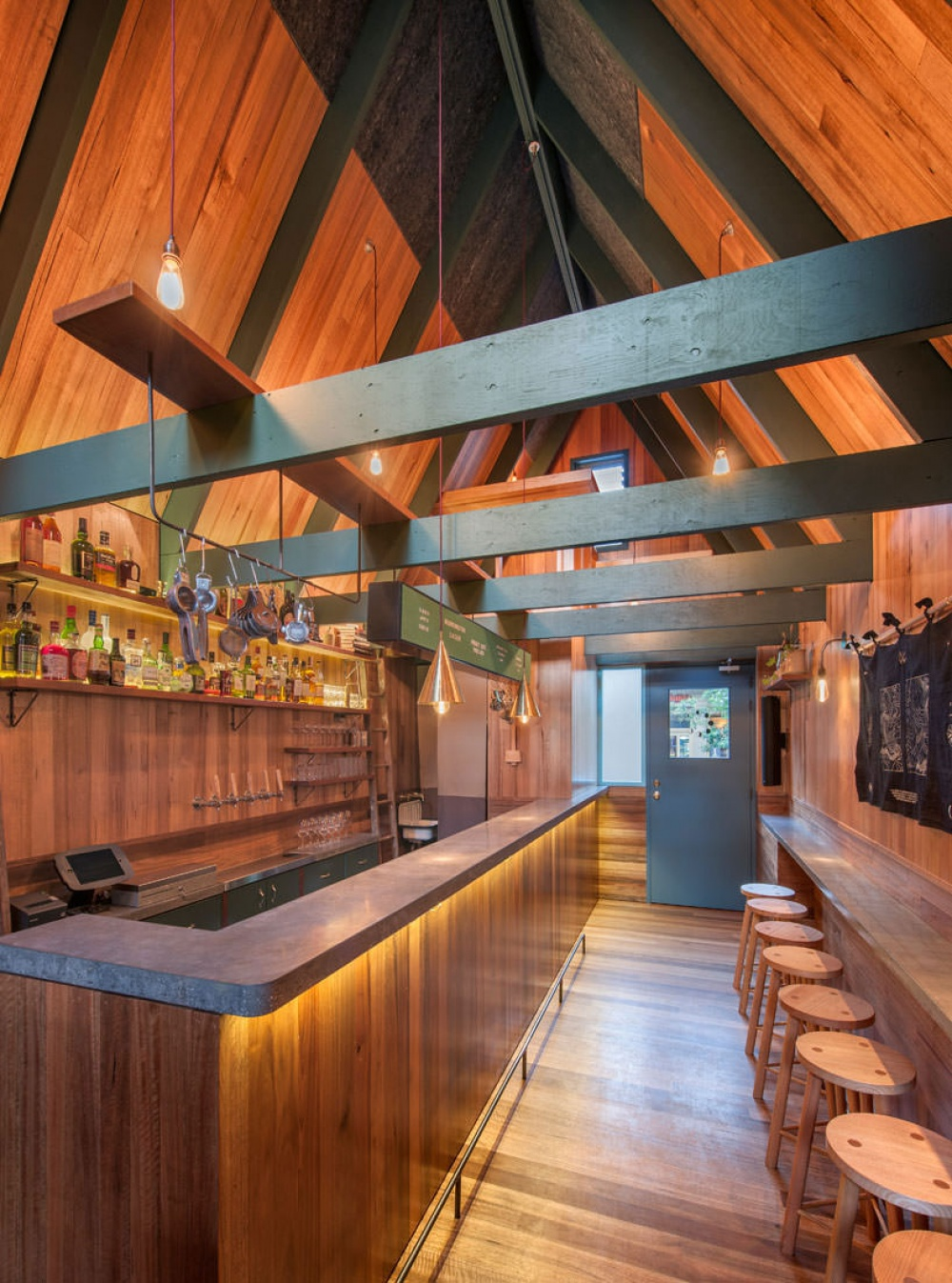 519305-1000-1454565135-A-bar-in-Adelaide-thats-just-like-the-tiny-house-from-Up2