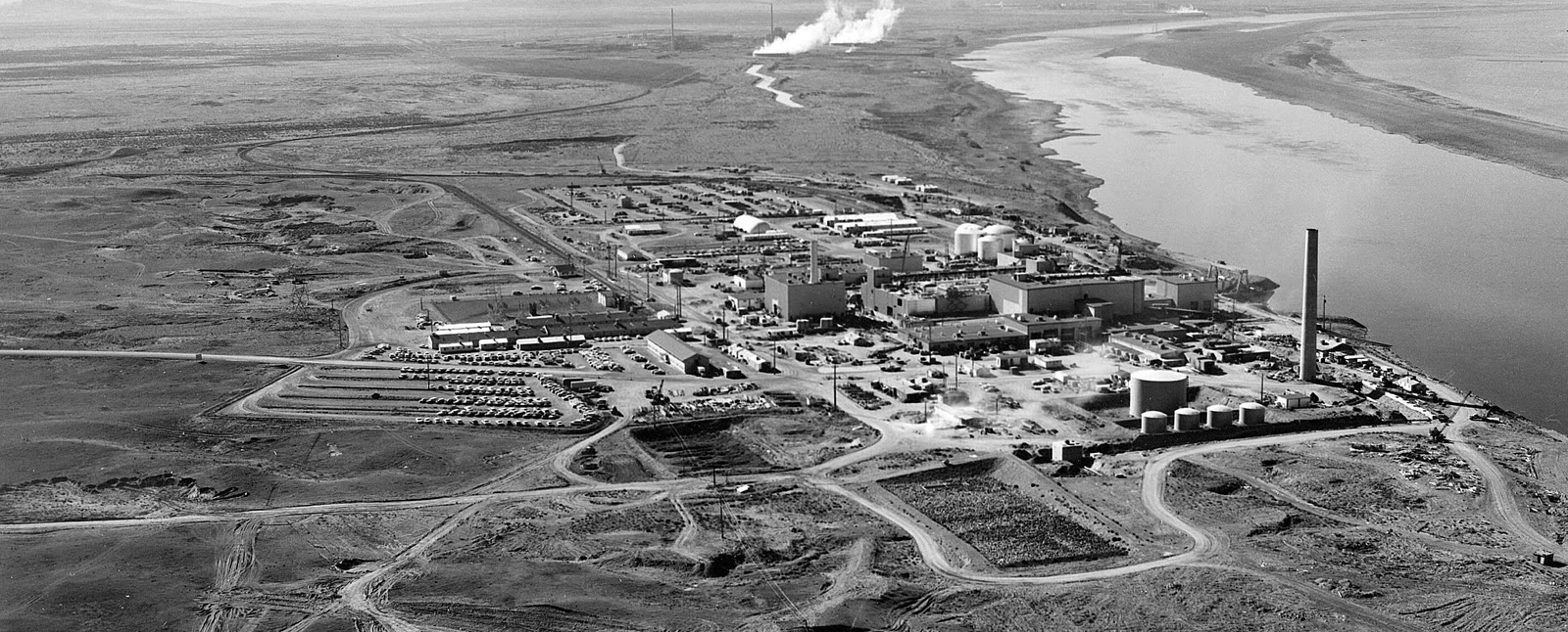 Hanford_N_Reactor_640-x-262
