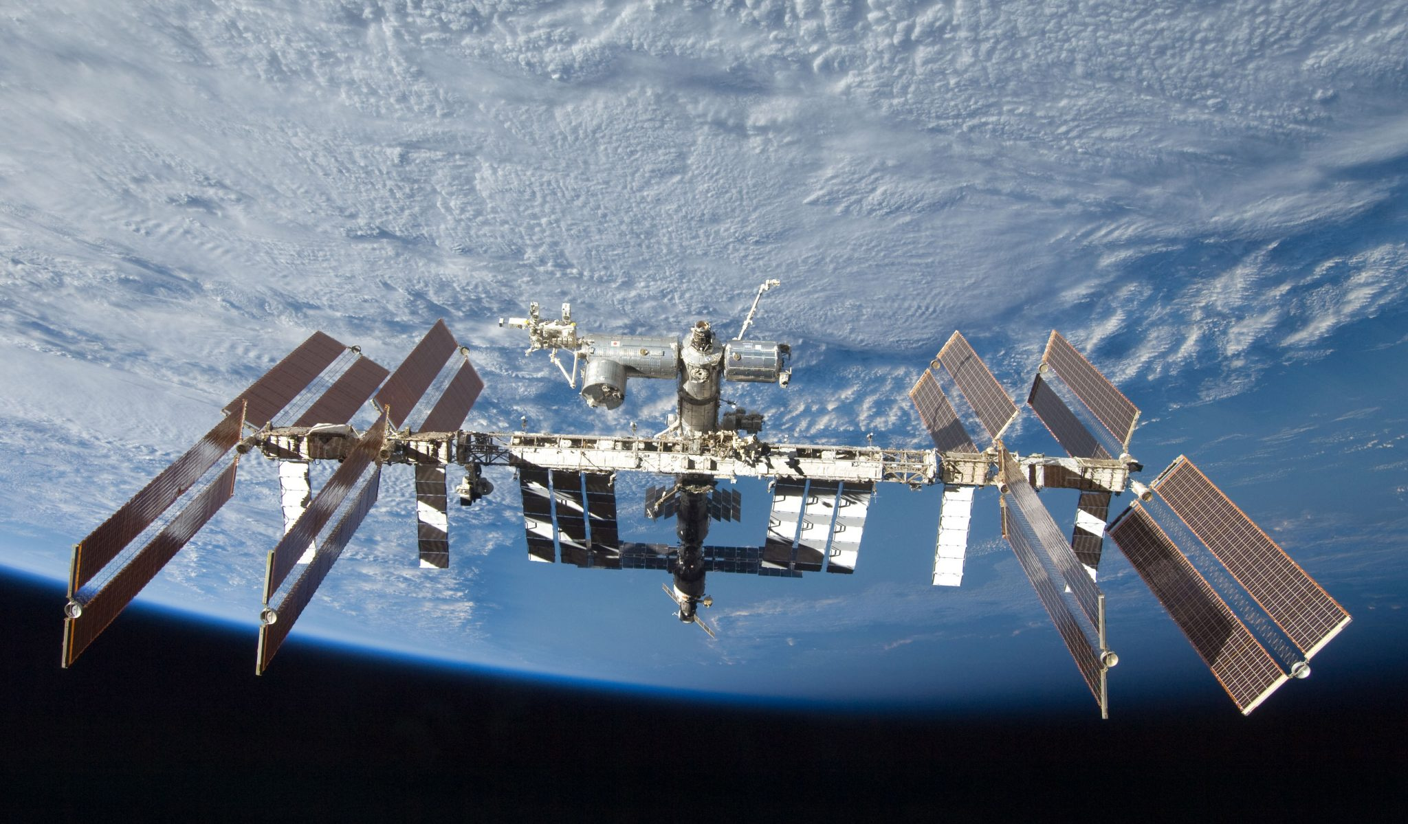 10.InternationalSpaceStation