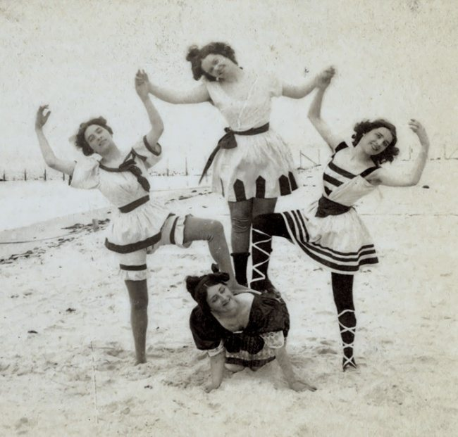 2653205-funny-victorian-era-photos-silly-vintage-photography-1-575124eed457b__700-650-1466756268