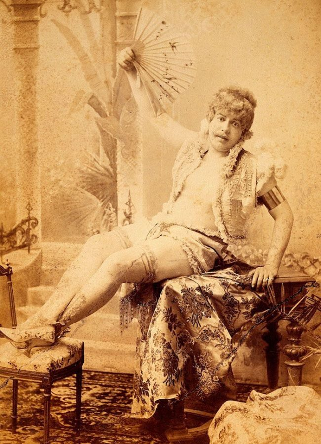 2653705-funny-victorian-era-photos-silly-vintage-photography-63-57512d0548246__700-650-1466756268