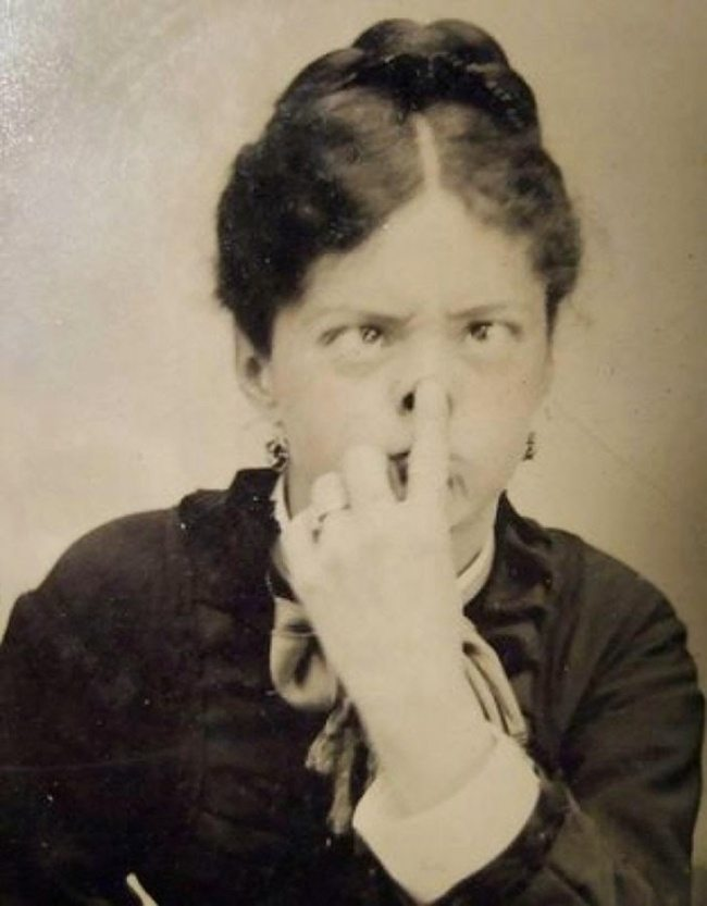 2653755-funny-victorian-era-photos-silly-vintage-photography-9-575132ee985f9__700-650-1466756268