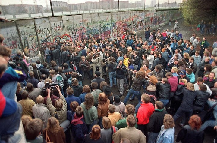 historical-photos-pt5-berlin-wall-november-1989