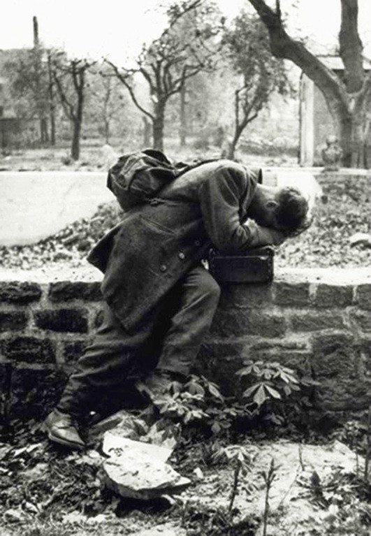 german-soldier-cries
