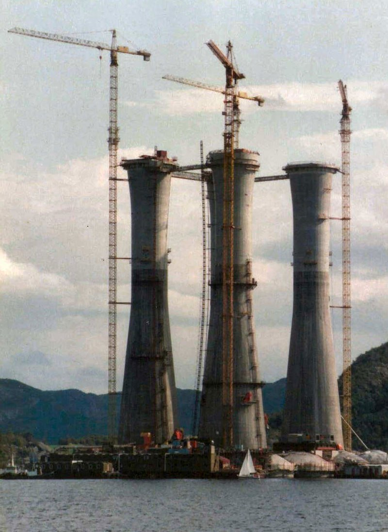 troll-a-the-tallest-structure-ever-moved-by-mankind-6
